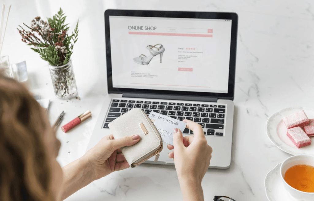 Importance of Presentation for Topping The Fashion Ecommerce Business Trends
